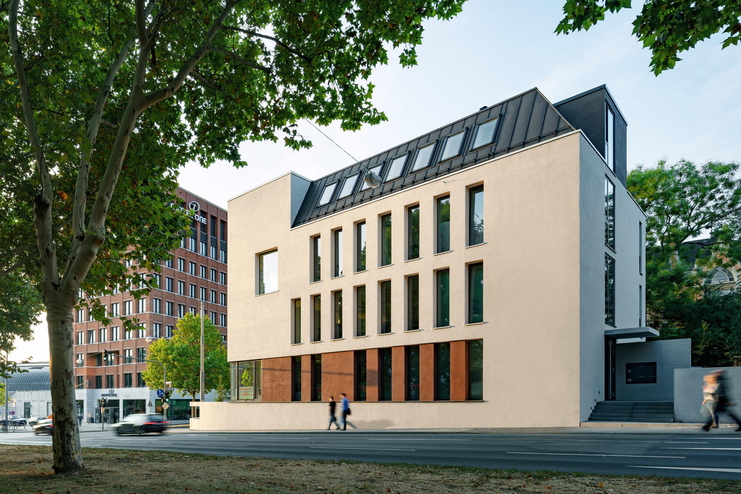 Ansicht von Norden des Bürogebäudes KFR79 in Wiesbaden